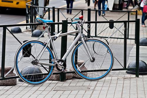 El candado en u o u lock - Anclaje para bicicletas ...