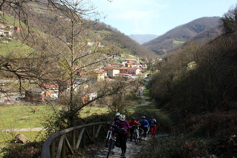 Por las sendas de Turón