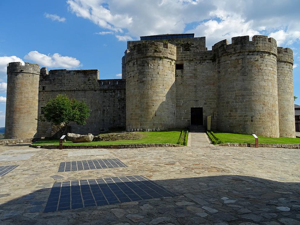 Castillo_Puebla_Sanabria.jpg