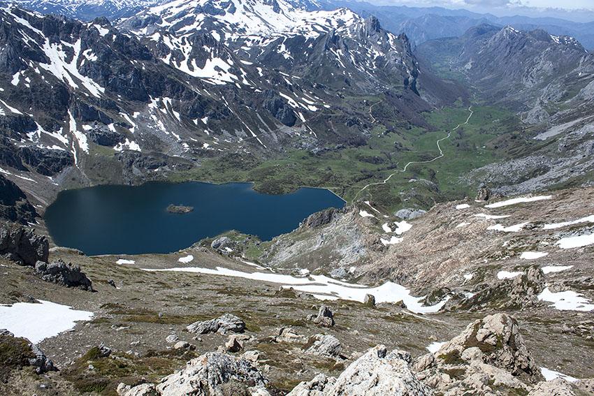 Lago-del-valle.jpg