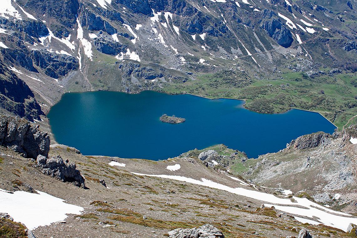 Lago_del_Valle.jpg