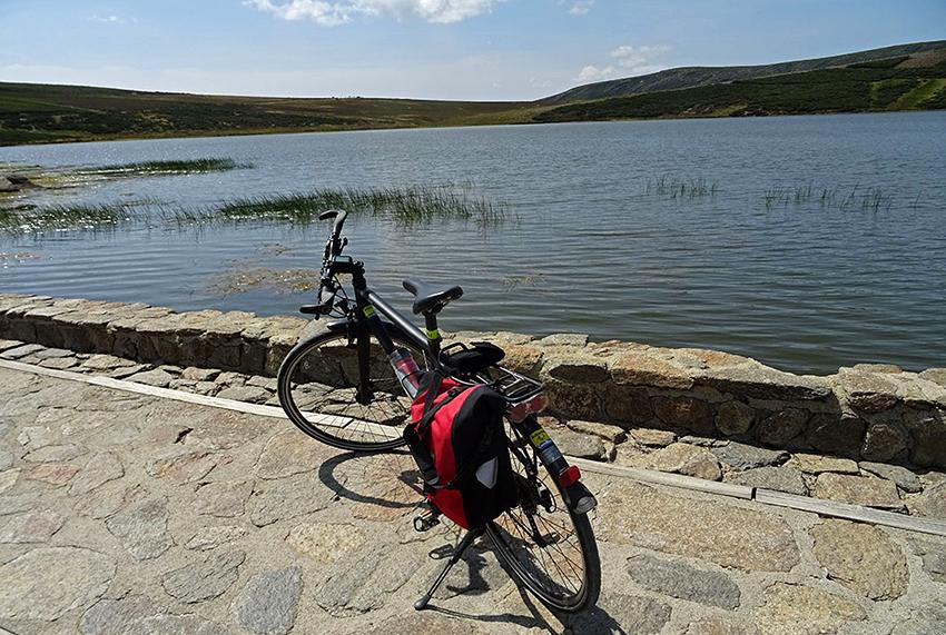 Laguna-de-Los_Peces.jpg