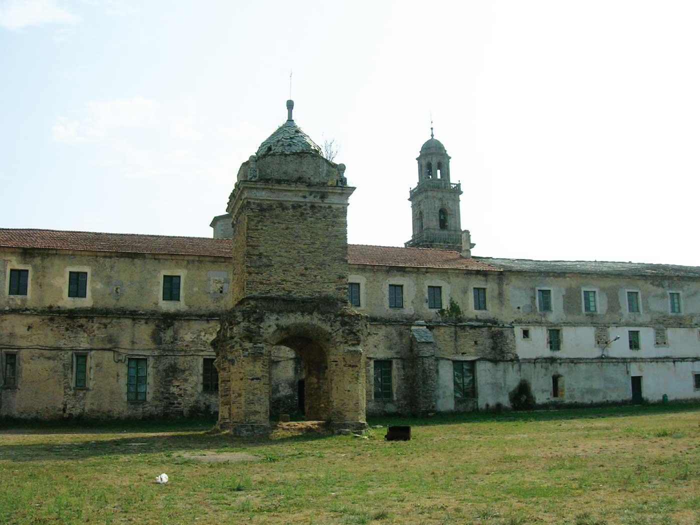 VILANOVA-DE-LOURENZA_03_Monasterio-de-S.Salvador-de-Lourenza_Foto.Gil.Mnez.jpg