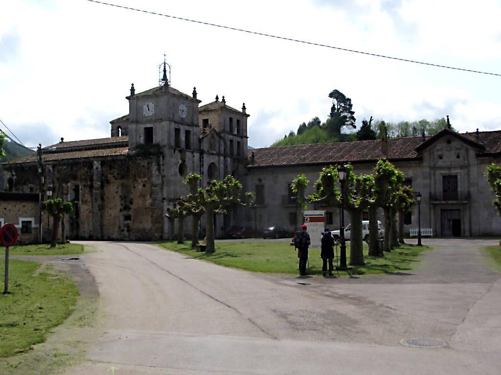 monasterio-san-salvador-cornellana.jpg