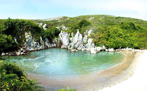 playa_Gulpiyuri_Asturias1.jpg